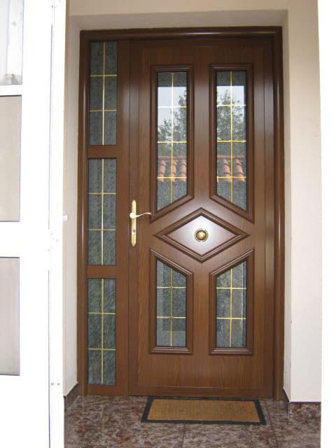 Conpeal puertas ventanas fachadas portales santiago for Puertas diferentes