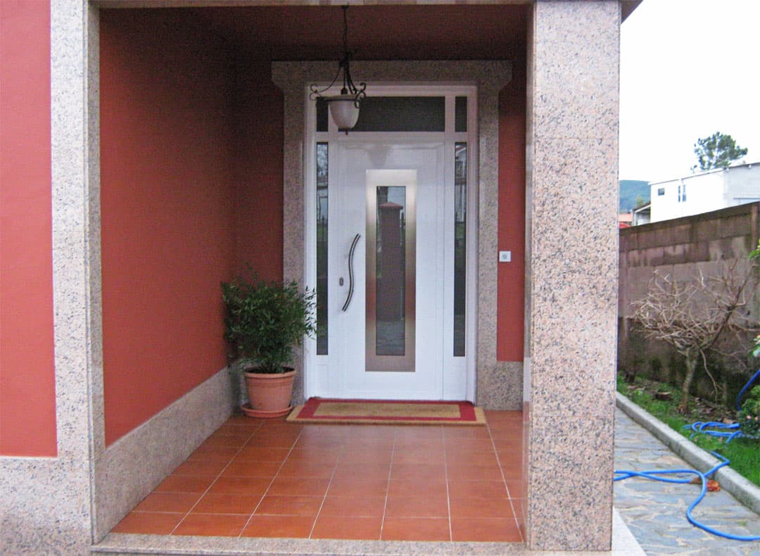 Vistoso modelos de puertas metalicas para entrada for Modelos de puertas metalicas para viviendas